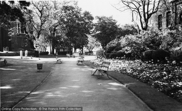 Photo of Woolwich, St Mary's Gardens c.1960