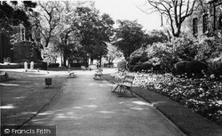 Woolwich, St Mary's Gardens c.1960