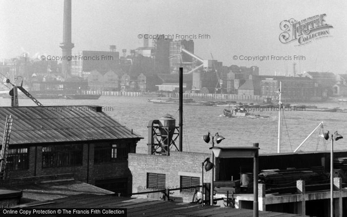 Photo of Woolwich, Tate & Lyle Sugar Factory, Silvertown 1962