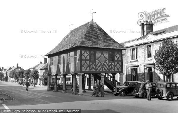 Wootton Bassett, the Town Hall c1950