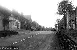 Wootton Bassett, The Waggon And Horses And High Street c.1950