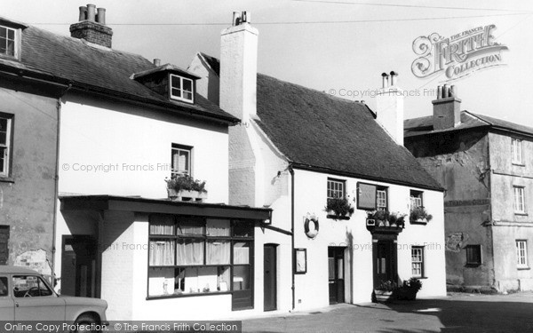 Photo of Wootton Bridge, Sloop Inn c.1955