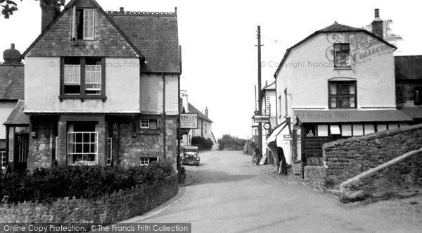 Photo of Wootton Courtenay, 1933