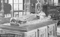 Worcester, Cathedral, King John's Tomb Effigy 1925