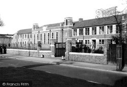 Worcester, Christopher Whitehead School, St John's c.1950