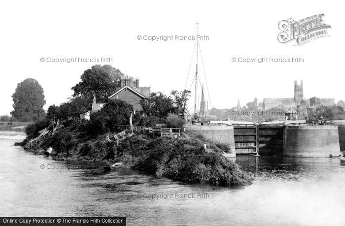 Worcester, Diglis Locks and Weir 1891