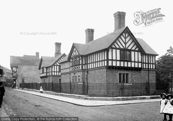 Photo of Worcester, Laslett's Almshouses 1910