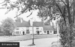 Worcester Park, Plough Green c.1950