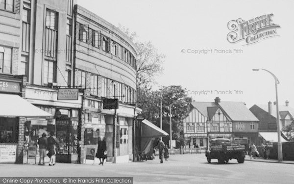 Photo of Worcester Park, The Broadway c.1960