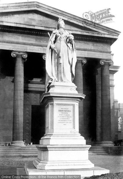 Photo of Worcester, Queen Victoria's Statue 1896