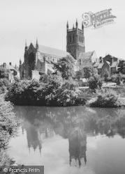 Worcester, The Cathedral c.1960