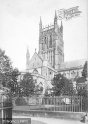 Worcester, The Cathedral, South Transept And Tower 1907