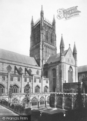 Worcester, The Cathedral Tower And Cloister Court 1891