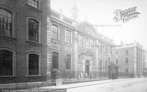 Photo of Worcester, The Guildhall 1896