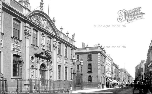 Photo of Worcester, The Guildhall 1899