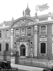 Worcester, The Guildhall 1936