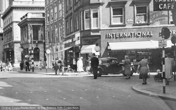 Photo of Worcester, The International Stores c.1960