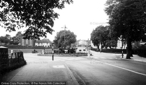 Photo of Worcester, The Roundabout, St John's c.1960