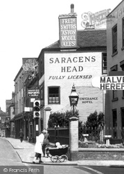 Worcester, The Saracens Head 1936
