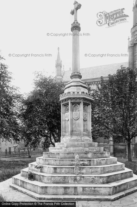 Photo of Worcester, The War Memorial 1923