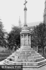 Worcester, the War Memorial 1923