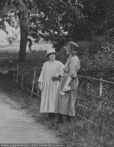 Photo of Worcester, Women 1923