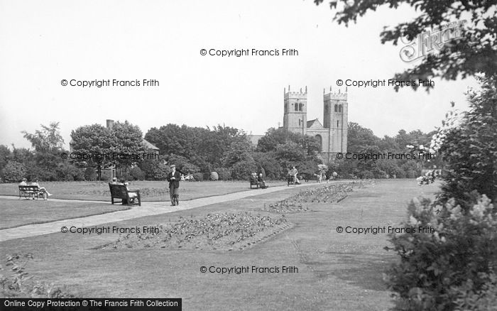 Photo of Worksop, Memorial Gardens And Priory Church c.1955