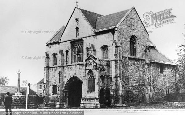 Photo of Worksop, Priory Gatehouse c.1938