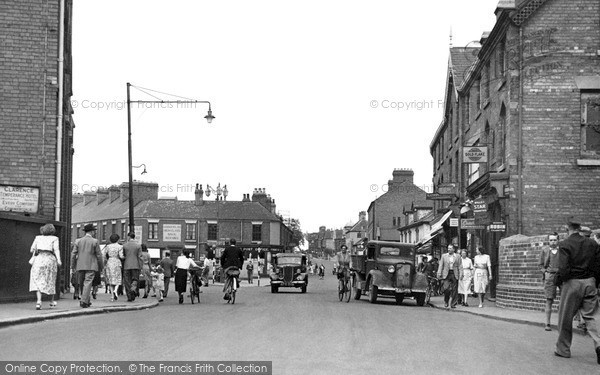 Photo of Worksop, Victoria Square c.1955