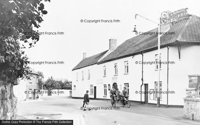 Photo of Worle, The New Inn c.1955