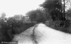School Hill 1908, Worplesdon