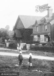 Village Children 1904, Worplesdon
