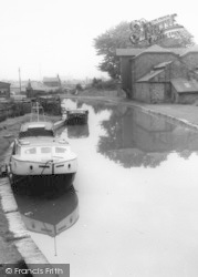 Worsley, Boats, The Canal c.1960