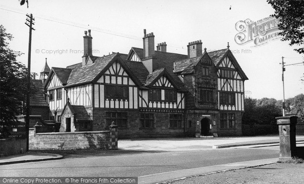 Photo of Worsley, Bridgewater Hotel c.1950
