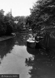 Worsley, Packet House And Bridgewater Canal c.1960