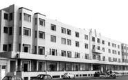 Worthing, Beach Hotel c1965
