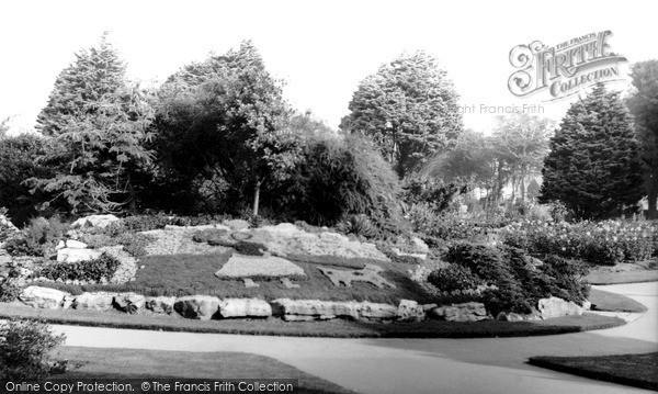 Photo of Worthing, Beach House Park c1965