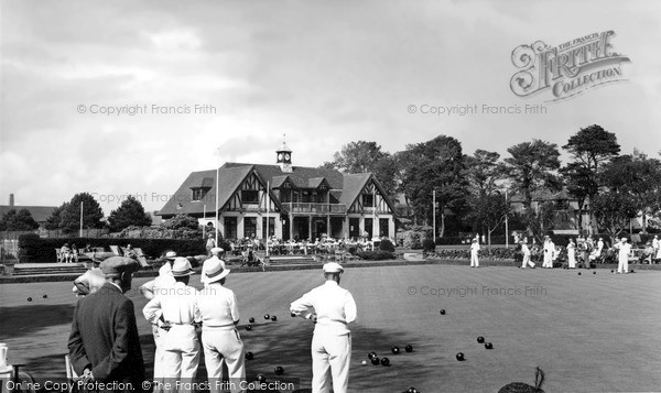 Photo of Worthing, Bowling Green And Pavilion, Beach Park c.1955