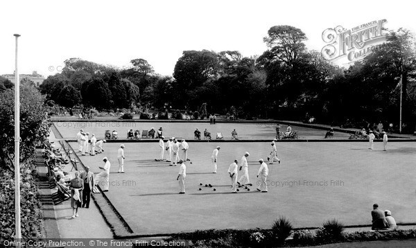 Worthing, Bowling Greens, Beach House Park c.1955