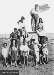 Children On The Sands 1906, Worthing