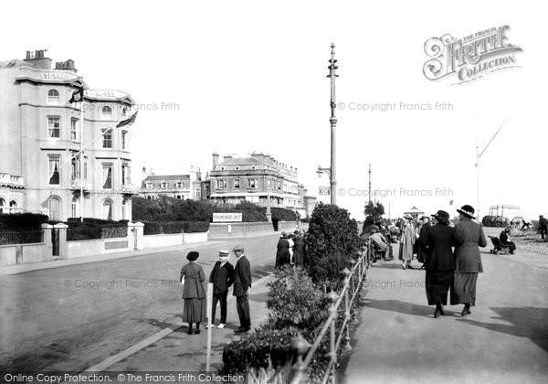 Photo of Worthing, East Parade 1919