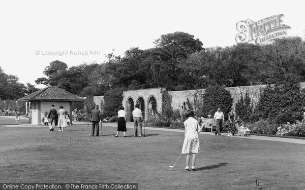 Photo of Worthing, Putting Green, Beach Park c.1955