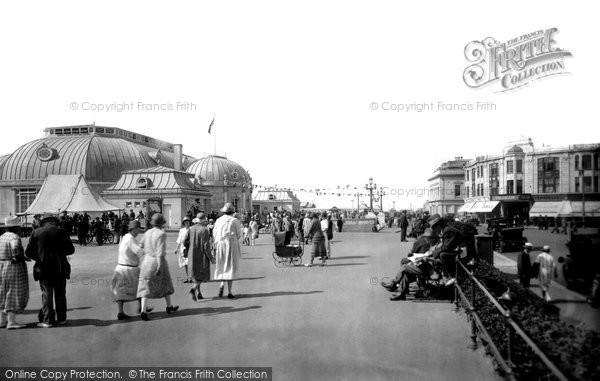 Photo of Worthing, The Pier Pavilion 1925