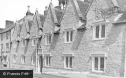 Wotton-Under-Edge, Hugh Perry Almshouses c.1950
