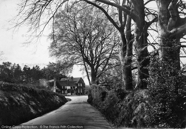 Photo of Wotton, Wotton Hatch Hotel 1919