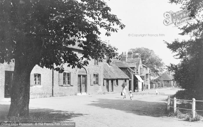 Photo of Wraysbury, The Green c.1920