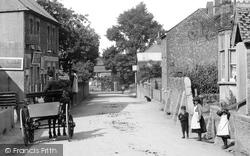 Children In The Village 1907, Wrecclesham