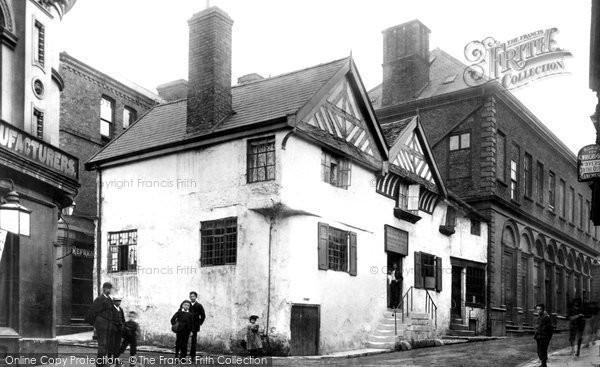 Photo of Wrexham, Hand Inn 1895