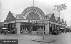 Cross Roads c.1940, Wroxham