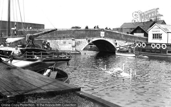 Photo of Wroxham, the Bridge 1934, ref. 86355